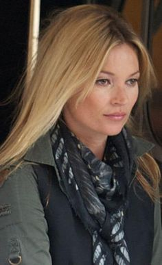 Vassilisa Scarf Foxes on Black Sported by Kate Moss