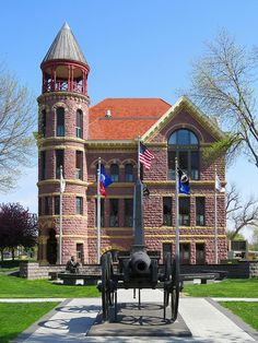 The Rock County Courthouse (1888) in Luverne, Minnesota is built of locally-quarried Sioux Quartzite, designed by Minneapolis architect T.D. Allen, and is listed on the National Register of Historic Places. 1900 population: 2,223