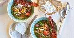 Salade van gegrilde bloemkool met burrata en pesto van erwtjes en daslook