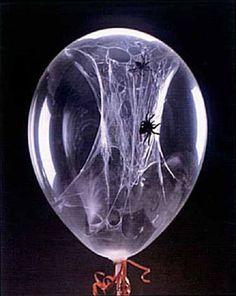 Te decimos cómo hacer este globo con una telaraña interna para decorar en Halloween! Una idea super distinta! Lo has visto antes?