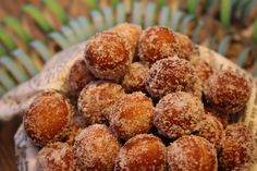 Ranteita myöjen taikinasa: Pehmeät ja suussasulavat munkit Something Sweet, Biscuits, Deserts, Muffin, Goodies, Easy Meals, Dessert Recipes, Food And Drink, Cooking Recipes