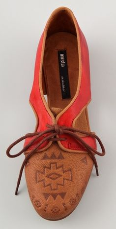 lace up flats. I want them.