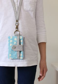 Summer Wallets with Lanyards - Noodlehead, a couple fun summer wallets for my girls. Lanyard Wallet, Sew Wallet, Sewing Hacks, Sewing Crafts, Tape Crafts, Bag Patterns To Sew, Sewing Patterns, Wallet Pattern, Linen Bag