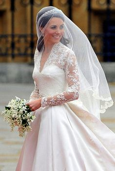 Kate Middleton Photos - The royal wedding of Prince William and Catherine Middleton held at Westminster Abbey. - Royal Wedding: Guests and the Newlyweds Kate Wedding Dress, Kate Middleton Wedding Dress, Wedding Dress Pictures, Celebrity Wedding Dresses, Celebrity Weddings, Wedding Outfits, Princess Kate, Princess Wedding, Real Princess
