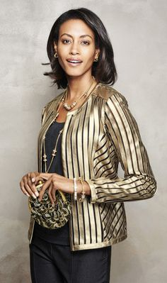 Make an entrance in this luxe gold jacket. Wrinkle resistant and perfectly packable. This jacket can take you wherever.