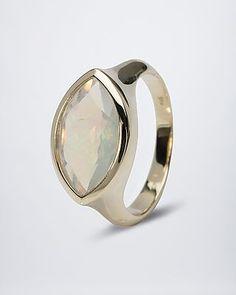 Wunderschöner Goldring mit funkelndem Kristallopal #terra #opalis #terraopalis #opal #schmuck #ring