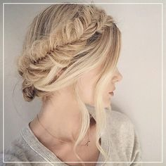 The Barefoot Blonde has the hair of a fairy princess. #SuperBeautifulHair
