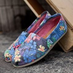 Faded Tropical Classics by Toms. verry comfy
