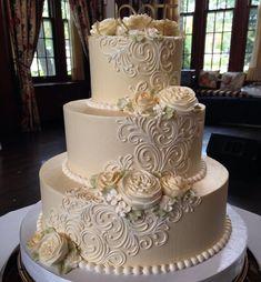 #100percentbuttercream #makingclevelandsweeter #whiteflowercakeshoppe #loveourcustomers #lovewhatwedo #buttercreamcake #buttercreamlove #buttercreamflowers #welovebuttercream #weddingsincleveland #clevelandbakery #clevelandcakes