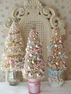 Bead and ornament Christmas trees idea