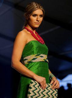 Inspiran raíces colombianas en Círculo de la Moda   INFO7   Vida y Estilo Daily Style, My Style, Daily Fashion, Sari, Tapestry, Belt, Shopping, Collection, Templates