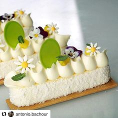 Gourmet Desserts, Fancy Desserts, Dessert Recipes, Patisserie Fine, Dessert Presentation, Individual Desserts, Cupcakes, Beautiful Desserts, Pastry Cake