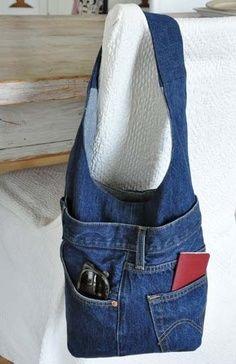 Purtroppo è arrivato il momento di abbandonare il mio paio di jeans preferito, peccato, era perfetto per me! E bene si, ogni tanto capita che, anche i resi