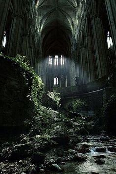Abandoned-church-Etienne-France