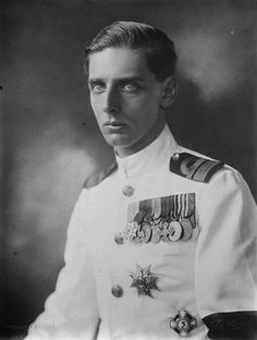 One of my favorite royals, Prince Nicolae of Romania, son of King Ferdinand and Queen Marie. Gosh, he was so so SO hot! I really want him…so bad! Romanian Royal Family, European Union Members, Under The Influence, Imperial Russia, Ferdinand, Professional Photography, World History, King Queen, The Twenties