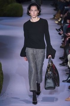 View the complete Altuzarra Fall 2017 ready-to-wear collection.