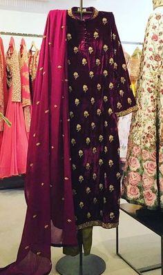 Burgundy velvet with Embroidery Pakistani Wedding Dresses, Pakistani Outfits, Indian Dresses, Indian Outfits, Wedding Sherwani, Designer Kurtis, Designer Dresses, Mode Bollywood, Bollywood Fashion
