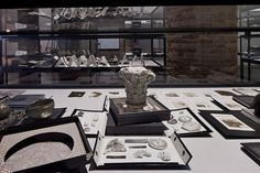 Ricardo Brey Black box, 2009 Courtesy the Artist; Galerie Nathalie Obadia, Paris/Brussels. Photo Dirk Pauwels, Ghent