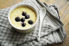 Dit paleo ontbijt recept bevat maar 5 ingrediënten en is in een handomdraai klaar. Bekijk hier het recept voor het warm fruit met kokoscrème.