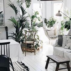 • l a z y d a y • Dzisiaj książka, hamak i niech nikt nic ode mnie nie chce ;-) dobrego dnia ✨ #interiors #interiordesign #interior_and_living #interiordesigner #interiorinspo #plants #homegarden #plants #hammock #calm #slow #hyggehome #vintage #wooden #whitehome #scandi