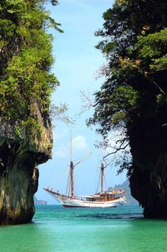 A Silolona Vessel On Indonesian Waters, Part Of A Momentum Adventure Travel Around The World, Around The Worlds, The Road Not Taken, Komodo Island, Classic Sailing, Beautiful Places To Travel, Just Amazing, Sailing Ships, Adventure Travel