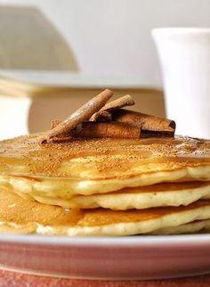 Pancakes με κεφίρ και σιρόπι κανέλας / Kefir pancakes with cinnamon syrup Greek Desserts, Greek Recipes, Tiramisu Cheesecake, Yogurt Pancakes, Breakfast Time, Winter Food, Soul Food, Cupcake Cakes, Delish