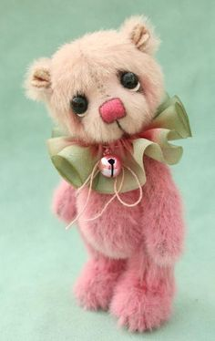 artist miniature teddy bears from pipkins bears                                                                                                                                                                                 More