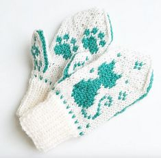 Pus i snøen-votter / Snowy Kitty Mittens pattern by Tonje Haugli Mittens Pattern, Knit Mittens, Mitten Gloves, Boys Knitting Patterns Free, Free Knitting, Knitted Hats Kids, Yarn Stash, Pattern Library, Craft Patterns