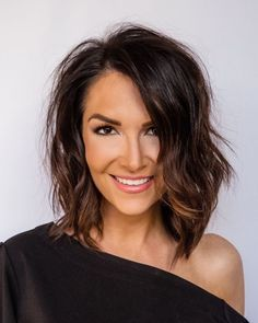 Layered Thick Hair, Shoulder Length Layered Hair, Medium Length Hair With Layers, Medium Hair Cuts, Layered Lob, Medium Hair Styles, Curly Hair Styles, Hairstyles For Layered Hair, Layered Haircuts For Women