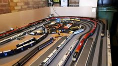 Updates and running sessions of Mangley Town, / modern era OO gauge model railway layout, plus loads more features to come. Ho Scale Train Layout, Ho Train Layouts, Train Ho, Escala Ho, Model Railway Track Plans, N Scale Model Trains, Lego Trains, Train Pictures, Electric Train