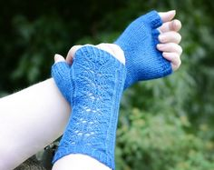 Ameliorate Knitting pattern by Hunter Hammersen Cool Things To Make, How To Make, Sock Yarn, Hand Spinning, Fingerless Gloves, Arm Warmers, Ravelry, Knitting Patterns, Motifs