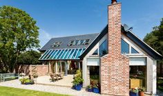 Homebuilding and renovating magazine website - lots of examples of previous self build projects with costings and design ideas