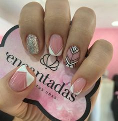 Photo by Ness Gold Glitter Nails, Pink Acrylic Nails, Shellac Nails, Pink Nails, Manicure Nail Designs, Pedicure Nail Art, Nail Manicure, Love Nails, Pretty Nails