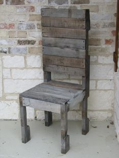 We are now with historically themed old rustic nature DIY pallet chair design which shows our love with rustic nature of wood. This DIY pallet chair can be Making Pallet Furniture, Wood Pallet Furniture, Rustic Furniture, Diy Furniture, Pallet Chairs, Wood Chairs, Diy Pallet Projects, Cool Diy Projects, Wood Projects
