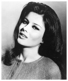 Pamela Tiffin (born October is a retired American film actress. Classic Actresses, Hollywood Actresses, Beautiful Actresses, Hot Actresses, Classic Beauty, Timeless Beauty, Pamela Tiffin, Madeline Smith, Actor Secundario