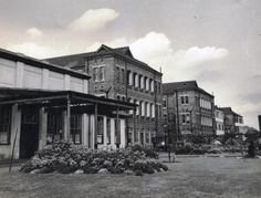 Main entrance and drive to Dudley Road Hospital 1949
