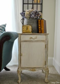 Vintage Finds: French Side Table Makeover
