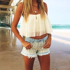 Spring / Summer Outfit - White Flowy Crop Top - Lace Shorts Loving this casual outfit. I can wear this to anywhere, to college, shopping malls, parties, beaches etc. Look Boho, Look Chic, Cute Summer Outfits, Spring Outfits, Summer Shorts, Summer Clothes For Teens, Teen Girl Clothes, Outfit Summer, Teen Clothing