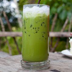 Cleanse Detox & Smoothie pomme/citron/chou/céleri branche/persil/cannelle/eau