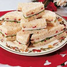 Festive Tea Sandwiches. Ingredients 1/2 cup mayonnaise 1/3 cup chopped fresh or frozen cranberries 2 tablespoons chopped pecans 1/4 teaspoon salt 1/8 teaspoon pepper 16 slices bread, crusts removed 16 to 24 thin slices cooked chicken 8 lettuce leaves Directions Combine the first five ingredients; spread on one side of each slice of bread. Layer half the slices with chicken and lettuce. Top with remaining bread. Cut into quarters or decorative shapes.