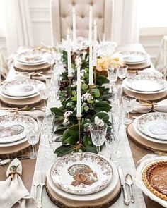 Tips for setting a Traditional Southern Thanksgiving Tablescape from a magnolia and cotton centerpiece garland to mixing classic silver with new, modern touches! Thanksgiving Plates, Thanksgiving Tablescapes, Thanksgiving Appetizers, Holiday Appetizers, Thanksgiving Recipes, Happy Thanksgiving, Thanksgiving Sides, Holiday Tables, Happy Fall
