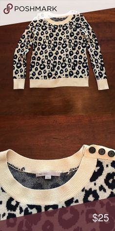 Gap cheetah print sweater Super cute, worn only a couple of times! Base color is a cream and print is a navy blue. GAP Sweaters Crew & Scoop Necks