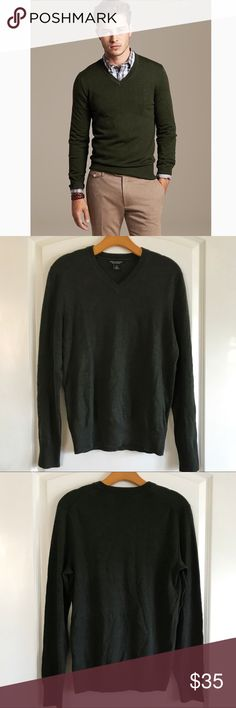 "Banana Republic Merino Wool Soft V Sweater Hunter green v Neck sweater. Made from wool. Extremely soft. Long sleeve with Ribbed Neckline. Like new condition. Pit to pit 19"" Length 27"" Banana Republic Sweaters V-Neck"