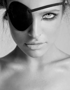 Black and White Photography of Women: How Take Beautiful Pictures – Black and White Photography Makeup Tutorial Eyeliner, No Eyeliner Makeup, Photography Women, Portrait Photography, Fashion Photography, Black And White Portraits, Black And White Photography, Female Portrait, Beauty Portrait