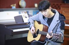 الوسم #CNBLUE على تويتر Lee Jong Hyun Cnblue, Cn Blue, Minhyuk, Jonghyun, Evergreen, Hearts