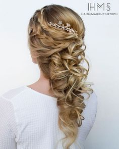 [tps_header] Hairstyles: Hair & Makeup by Steph[/tps_header] We are so in love with Stephanie Brinkerhoff of Hair & Make-up by Steph. Their pretty wedding hairstyles are all we could ever want when it comes to...