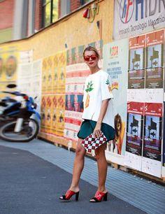 Natalie Joos wearsOsklen top,Brooklyn Laundry skirt,Celine shoes,Del Duca bag.