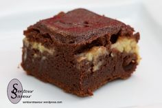 Fondant banane chocolat Biscuit Cake, Biscuit Cookies, Gateau Cake, Cake Recipes, Dessert Recipes, Banana Recipes, Cake Factory, Healthy Deserts, Food Cakes