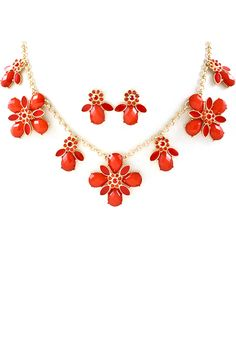 Poppy Mia Necklace | Awesome Selection of Chic Fashion Jewelry | Emma Stine Limited