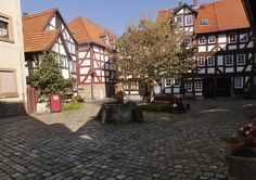 Europäische Modellstadt Alsfeld: Zum Kaffee bei Rotkäppchen  http://www.anderswohin.de/2014/10/europaischen-modellstadt-alsfeld-zum.htmlin